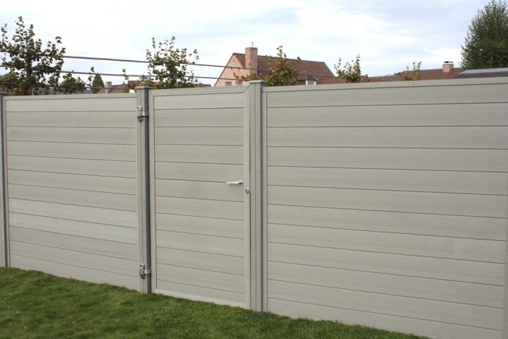 Porte cran de jardin gris 1 8m rubrique planchette for Porte jardin aluminium