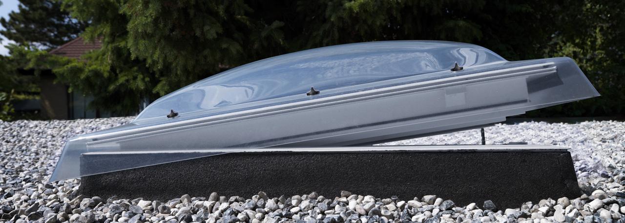 Coupole 60x60 dble vitr isol elect 73q rubrique toiture - Fenetre de toit plat velux ...