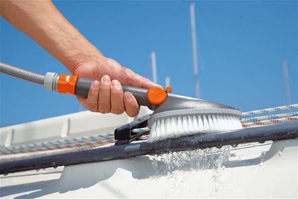 gardena brosse de lavage main dure rubrique tuyau flexible. Black Bedroom Furniture Sets. Home Design Ideas